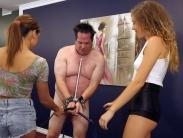 cruel-femdom-whipping (1)