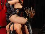 sadistic-femdom-humiliation-03