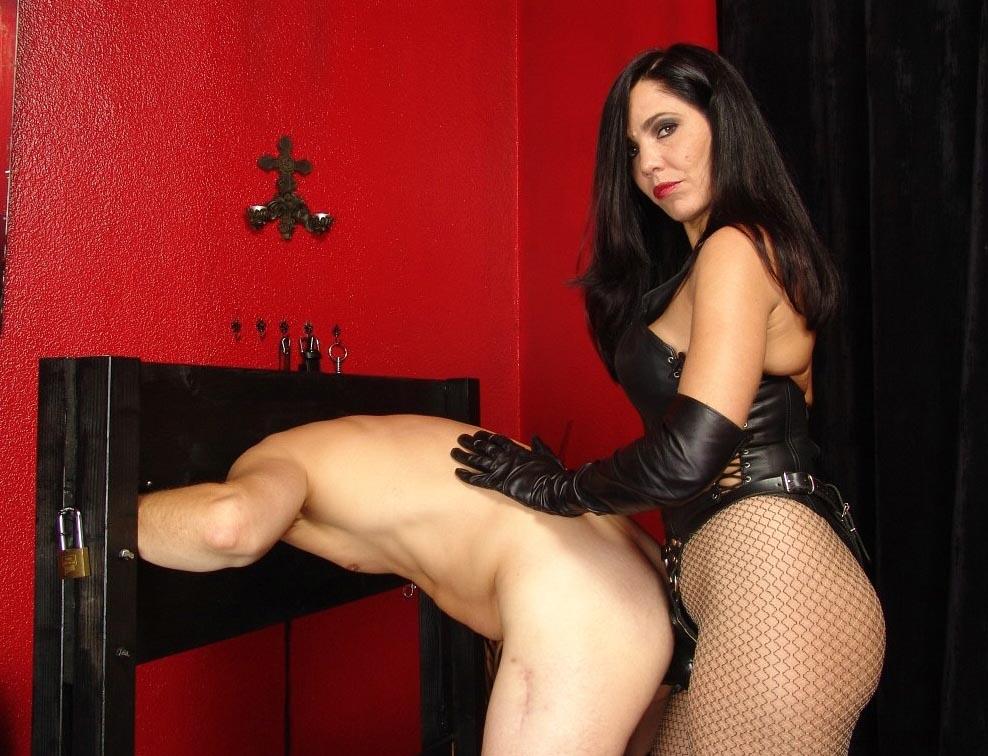 Sado mistress